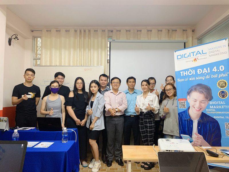 Khai giảng lớp Digital Marketing