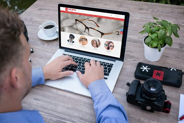 website mắt kính Kyo Optic